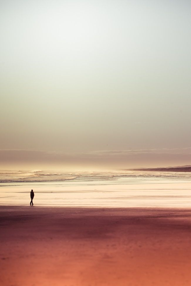 """""""A veces me dan ganas de llorar, pero las suple el mar…""""  José Gorostiza"""