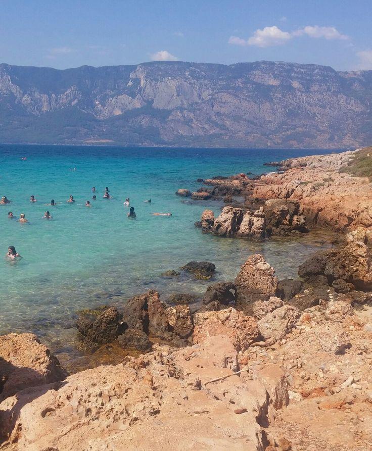 Tarihi eser niteligi taşıyan mısırdan kleopatra icin getirtilen kumlara sahip  Sedir adası..