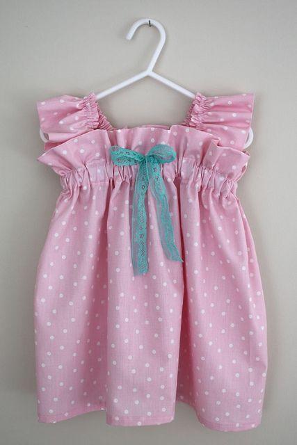 Paso a paso Vestido de niña se ve sencillo y también aplica para blusa en niña más grande.