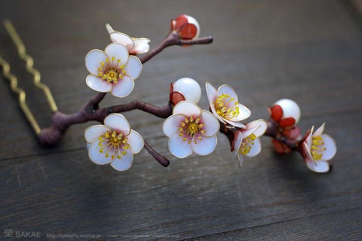簪作家榮 2012白梅 簪 ひと枝 Japanese hair accessory - Japanese apricot Kanzashi- by Sakae, Japan