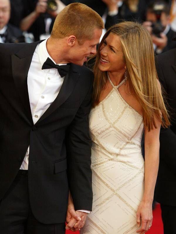 Hier Turteln Sie Noch Jen Und Brad Schienen Wirklich Glucklich Gewesen Zu Sein Schliesslich War Ihnen Ihre Hochzeit Damals 1 M Celebrita Film Romantici Coppie