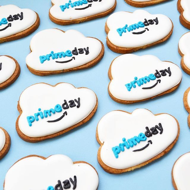☁️ ☁️☁️Prime day☁️☁️ @amazon #foodart #pastrydesign #pastrychef #graphicdesign #designculinaire #amazon #primeday #creationculinaire #patisserie #paris #lille #clouds #cloudscookies