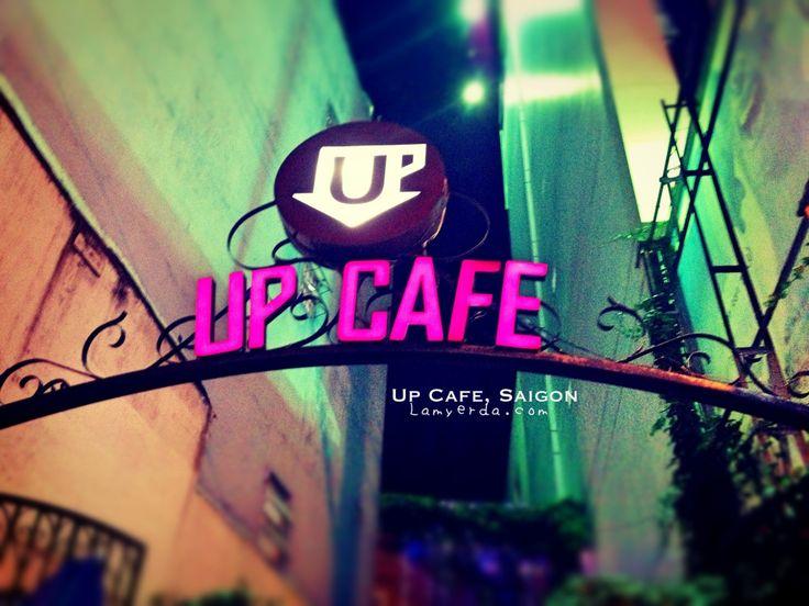 Topsy Turvy Restaurant: Up Cafe, Saigon