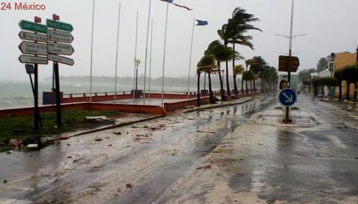 """Trump promete ayudar a las Islas Vírgenes y P. Rico tras paso de """"María"""""""
