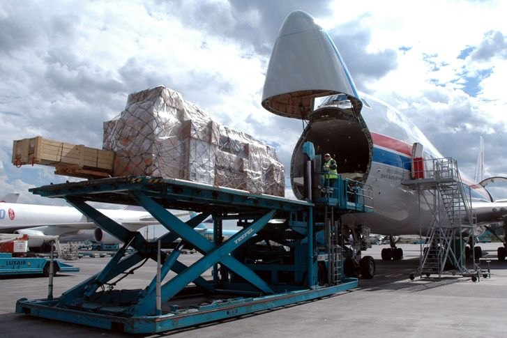 Air freight transportation is a fast and efficient shipping method that is particularly valuable to businesses needing to get products to international customers quickly or stay on track with a just-in-time manufacturing model.    #shipping #Shipping #cargo #Airfreight #seafreight #logistics #parcel #car_shipping #freight #forwarding