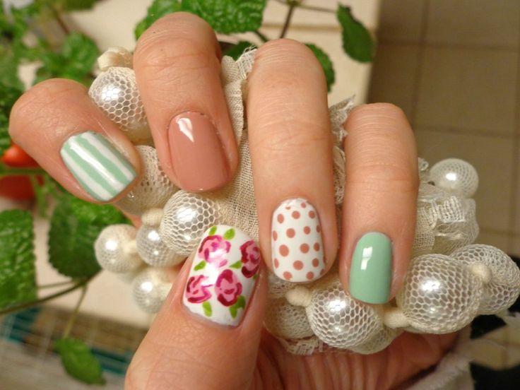 vintage floral wallpaper nails