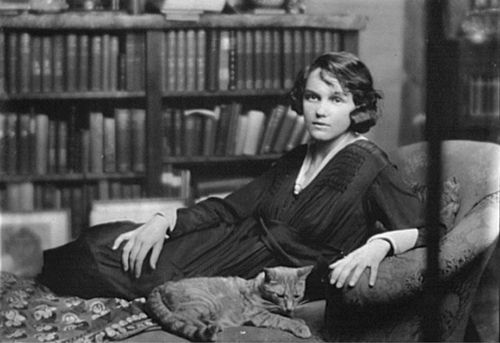 Arnold Genthe | Miss Helen Chamberlain with Buzzer the cat, May 28, 1918 | Library of Congress Prints and Photographs Division #photography #cats