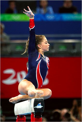 Shawn Johnson wins Gold on the Balance Beam at the 2008 Olympics - The New York Times
