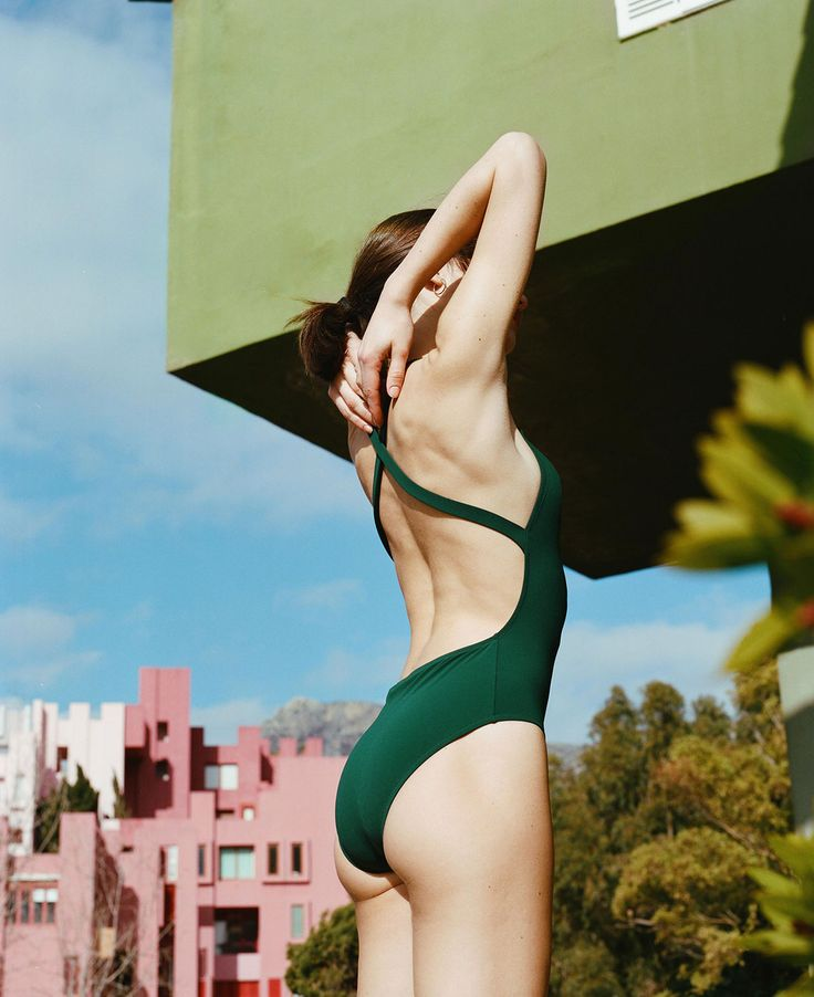 Lido was created with a uniform in mind, a beach version of what a woman would want to wear everyday, a well made timeless piece that is a wardrobe staple.