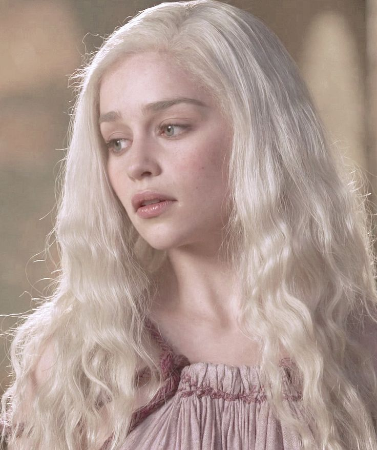 25+ best ideas about Emilia Clarke Daenerys Targaryen on ...