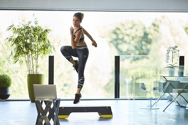 El Comfort Step de Domyos permite realizar un entrenamiento cardiovascular completo y tonificar la musculatura, en casa o en el gimnasio. #Colours #Deporte #Decathlon