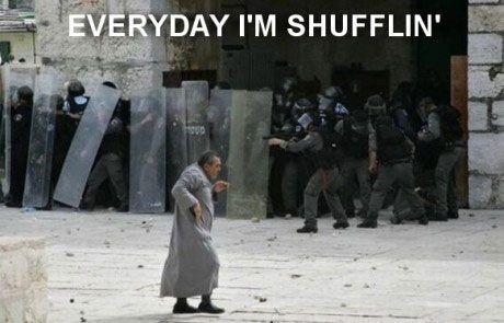 Everyday I'm shufflin'I M Shufflin, Parties Rocks, Funny Shit, Funny Pictures, Demotivational Posters, Funny Stuff, Motivation Posters, Funny Man, Everyday I M