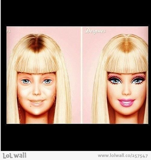 "Barbie without make-up...lol No cabe duda que todas las ""plásticas"" sin producción, son igual de feitas. Nada como lo natural!"