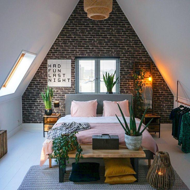 "Living Room Decor on Instagram: ""Mmm good sleep 😘 Industrial chic —"""