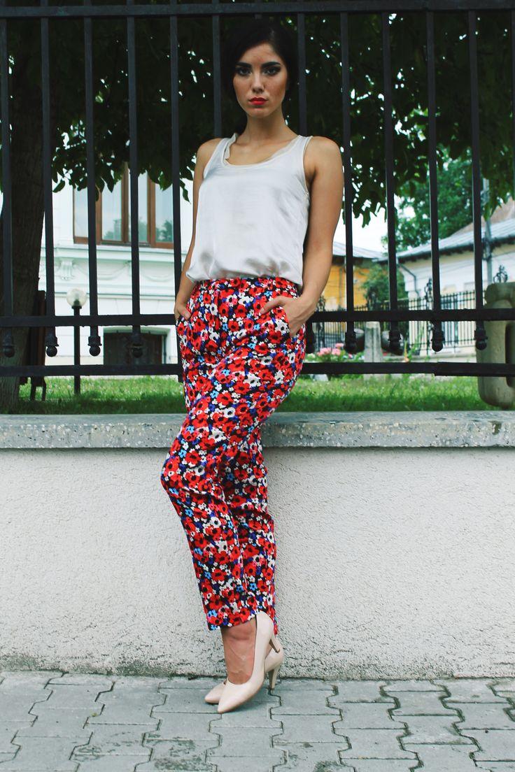http://www.womanfashion.ro/pantaloni-online