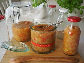 Rouva Kasvis: Raparperi-tomaattichutney kesän grilliruoille