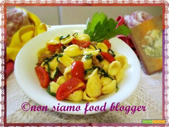 Orecchiette con rucola, pomodorini e salsiccia  #ricette #food #recipes
