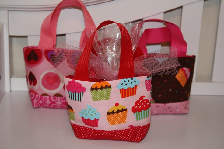 mini treat bagsTreats Bags, Treat Bags, Sewing Projects, Minis Treats, Minis Dog Qu, Random Things, Sewing Sewing, Crafts Stuff, Diy Projects