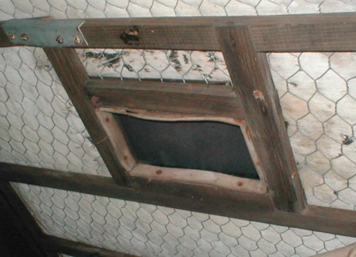 the roof frame in a standard saloon, showing the underside of the smoker's hatch...thanks Sandy!