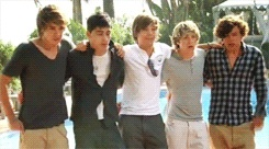 (gif) Bringing all this back. Every single bit. Can you guys please 'like' my One Direction page on facebook? http://www.facebook.com/#!/pages/My-heart-only-goes-in-ONE-Direction/260548897394673 I am 'MrsPayne<3' :) xx