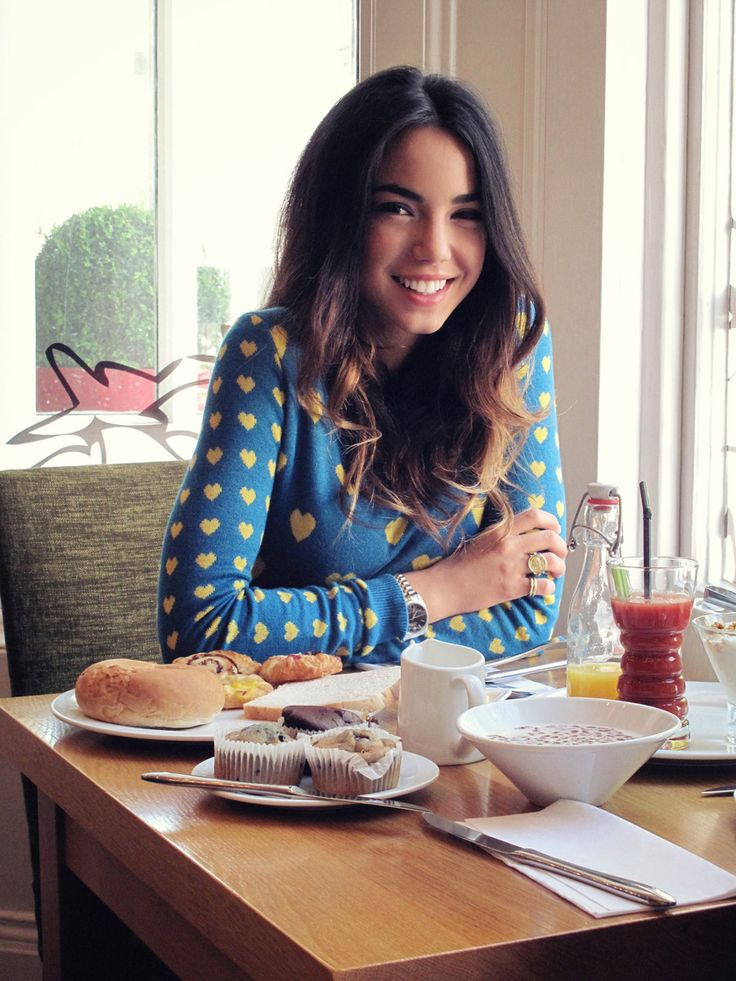 Breakfast time #chiarabiasi#maisonespin #cool #outfit #fallwinter13 #fashionblogger#womancollection #lovely #MadewithLove #romanticstyle #milano#clothing #shopping #iloveshopping