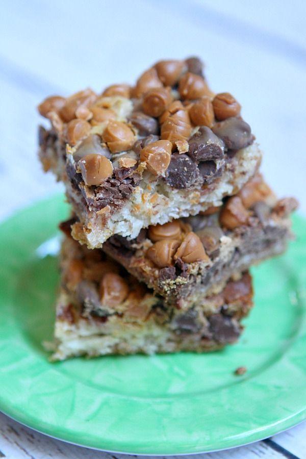 Six Layer Bars Recipe : the perfect delicious dessert bar recipe for bake sales.