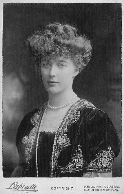 Isabelle d'Orléans, duchesse de Guise (1878-1961) fille du prince Philippe d'Orléans comte de Paris et et de l'infante Marie-Isabelle d'Orléans