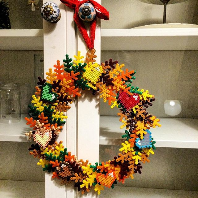 Autumn wreath hama beads by nogetoriginalt