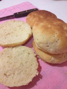 Pan de hamburguesa sin gluten (proceli, arroz, garbanzo, leche, 1 huevo)