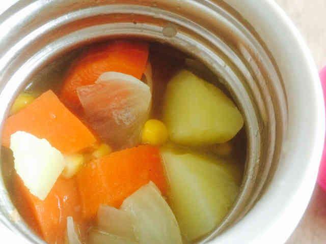 スープジャーで簡単☆ポトフ風野菜スープの画像