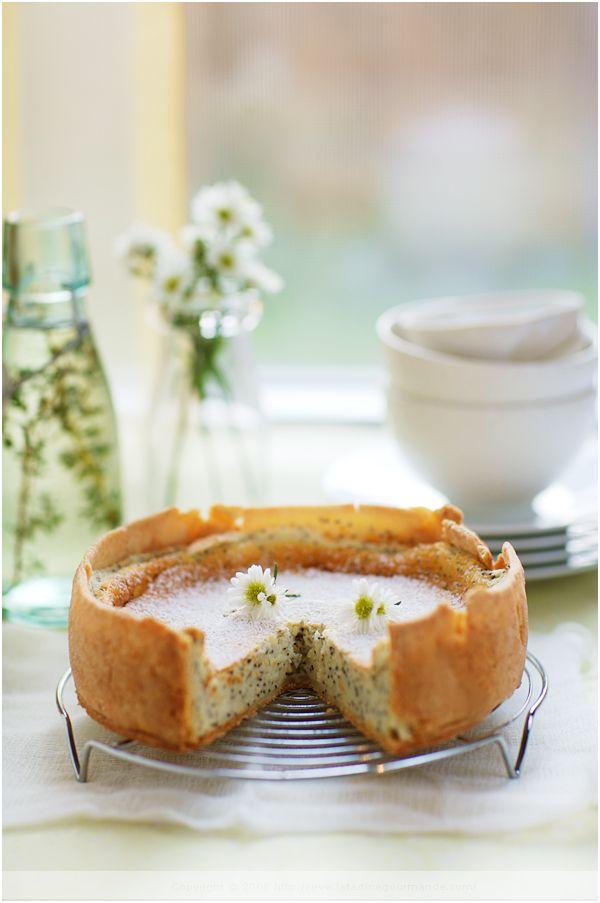 lemon poppy seed yogurt tart