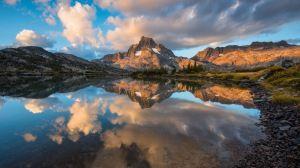 Descargar Fondo de pantalla 1920x1080 Hierba, Protección, lago, reflexión, cielo…
