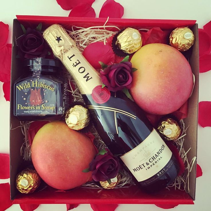 66 best valentines day special gift ideas images on pinterest love is in the air strawberries are red blueberries are blue fruit is sweetluxuryhampers hampers luxurygifts fruithamper fruithampers fruitbasket negle Gallery