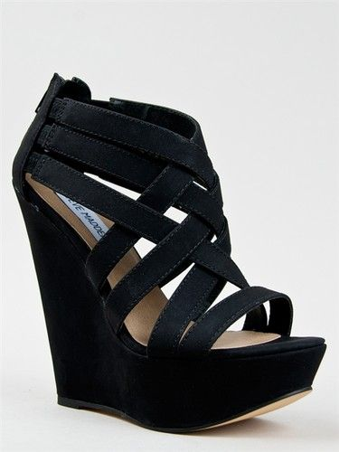 i wanted these for formal in beige but they only had them in a 5!! :(