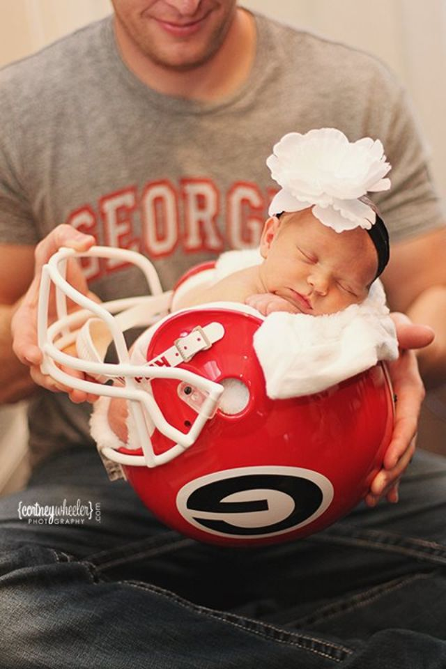 Cute idea for a baby pic. Just not UGA or Shane would kill me lol. Maybe…