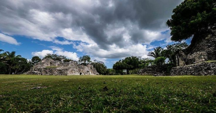 Kohunlich Mayan Ruins By Christian Wasmer via #Panoramio  65 Km to Chetumal Quintana Roo Mexico -  #mayanruins #culture #mayan #life #explore #adventure #incredible #chetumal #quintanaroo #visitmexico #panoramio #amazing #qoolmx #lifeisgood #caribbean #wanderlust #traveler #awesome