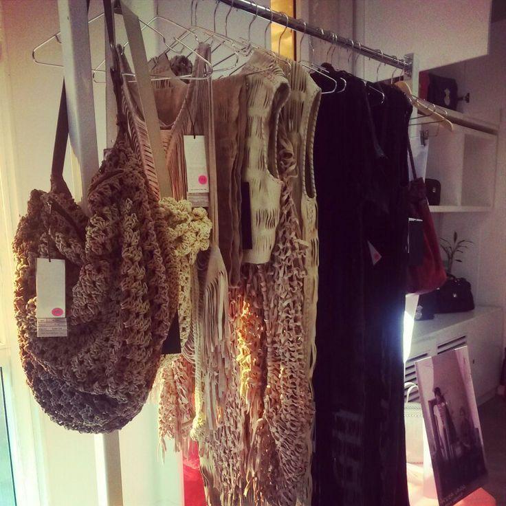 Cuero tejido a mano en Colombia @Andrea / FICTILIS Landa Fashion Workshop!