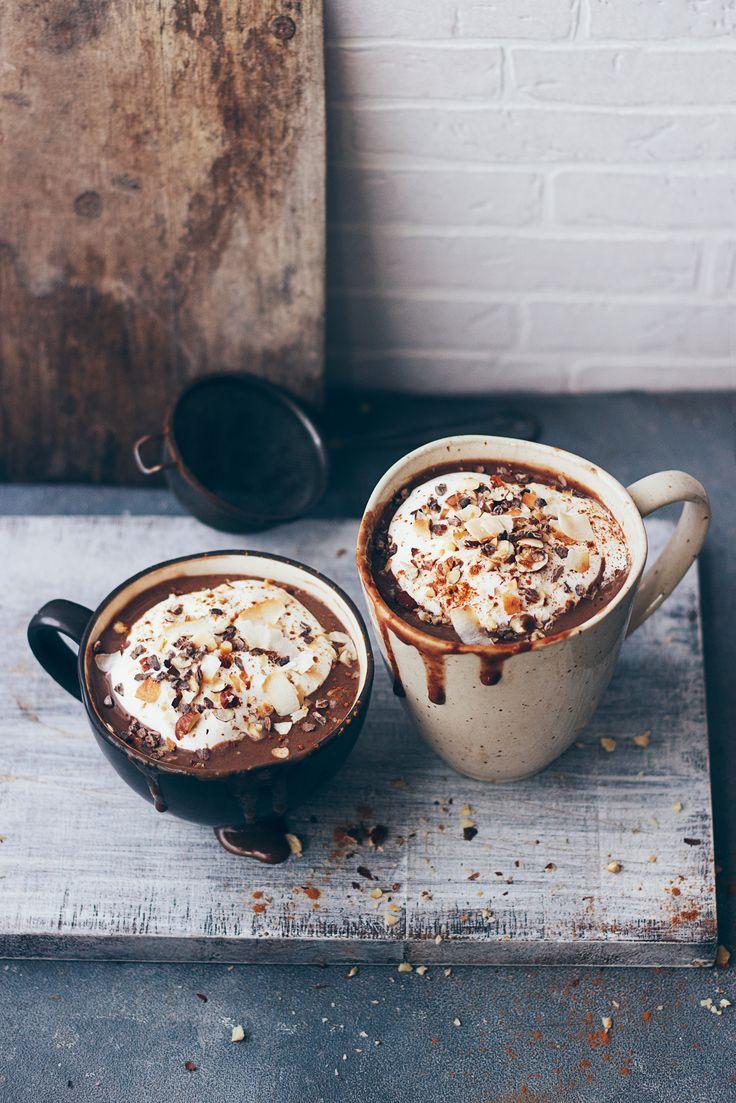 Super chocolate quente com chantili de coco