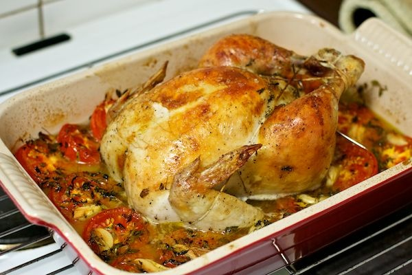 Kylling i ovn med tomater og hvidløg // Roasted chicken with tomatoes and garlic