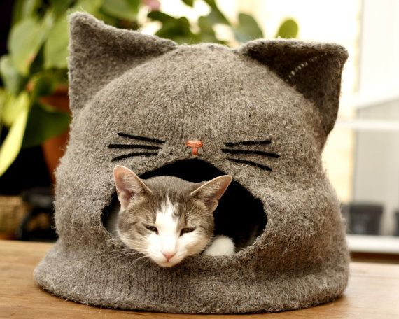 =^.^= Just before you get too excited, this is a pdf KNITTING PATTERN, not the actual item! =^.^=  The Catipi is an easy to read pattern, with step by step instructions and tips on how to knit, felt and shape this cosy cat den. You can download this pattern instantly and no kitty will ever be able to resist the woolly, cave like goodness!  Difficulty level: Easy to Intermediate, knitted in round. Finished size: diameter - 14, hight - 13, suits large cats! Materials: 100% sheeps wool (Risby…