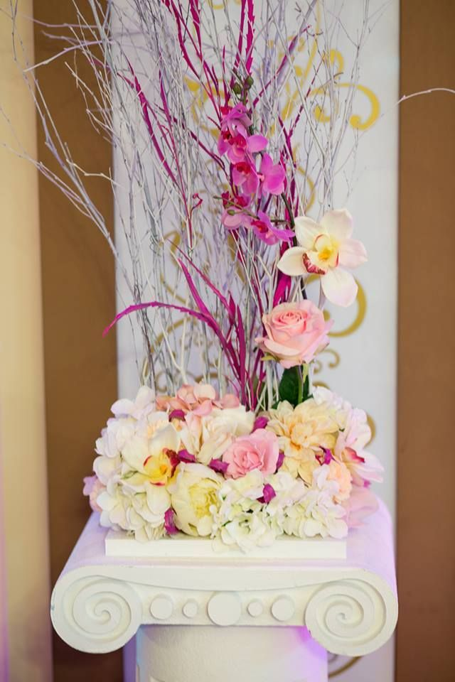 Everything looks prettier in pink, including wedding decorations!  #decorcenter #pink #roses