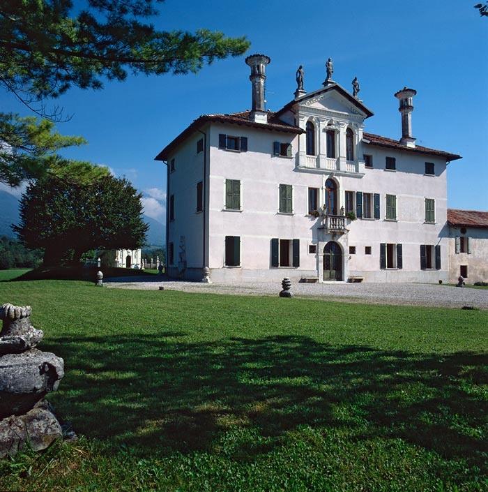 Villa Tauro Centenere Belluno Dolomiti Veneto Italia