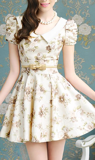 Puff sleeve floral print dress. The cutest dress ever! For the petite body, i think it would be look cute! :)