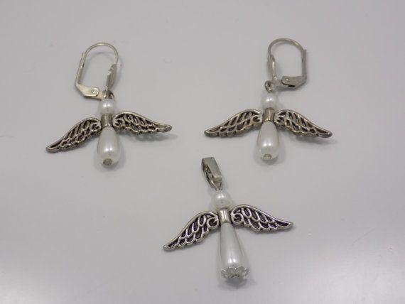 Handmade earrings and pendant set