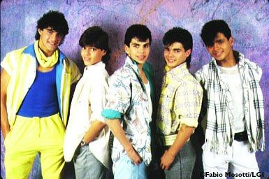 Oh man did I have it bad for Ricky Martin back in the day....I was so in love with Menudo and Ricky.