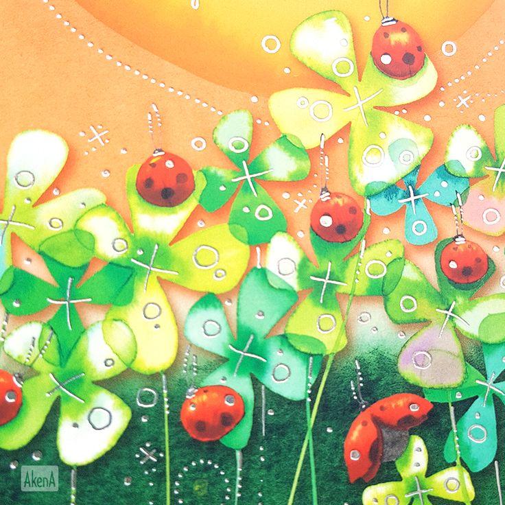 Quadrifogli verdi e coccinelle rosse sulla copertina della agenda giornaliera 2018 Goccioline Quadrifogli