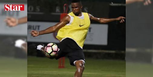 Beşiktaş'la anlaşan Eto'o Antalyaspor'a rest çekti: Transferin bitimine saatler kala Beşiktaş'la anlaşmaya varan Samuel Eto'o, kulübü Antalyaspor'a rest çekti. Siyah-beyazlılar bonservis sorununun çözülmesini bekliyor.