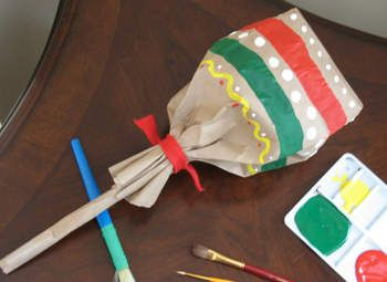 Cinco de Mayo is Saturday. These paper lunch bag maracas will liven up the party. Simple to make with rice side the bag. I would use outside only as one or two will likely be mistaken for a pinata with all that tequila! #cincodemayo