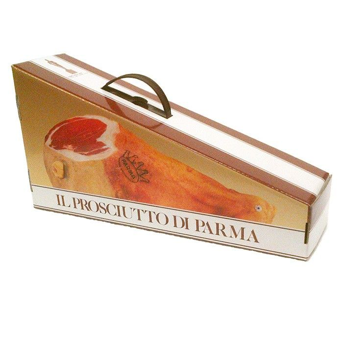 Gift box for half Parma ham. http://bit.ly/1NEVoeJ ‪#‎CulatelloHam‬,‪#‎Culatello‬, ‪#‎Felino‬ ‪#‎salami‬,‪#‎ParmaHam‬