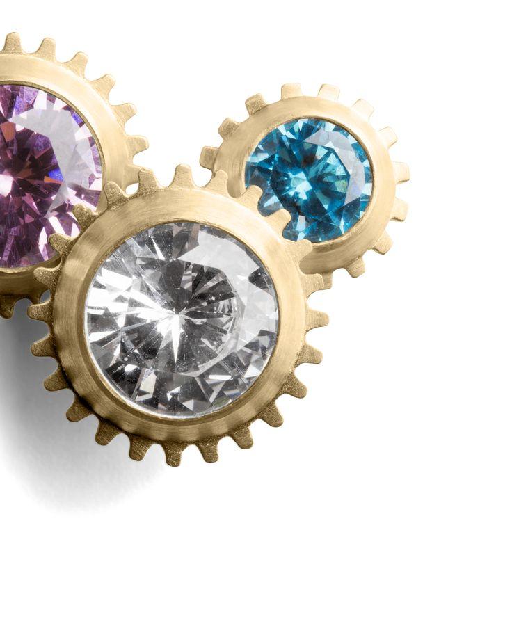 Magnetic Dream >> http://www.janekoenig.com/earrings/gold-plated-silver.html